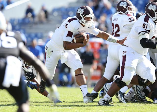 LEXINGTON, KY - OCTOBER 06: Dak Prescott #15 of the Mississippi State Bulldogs runs with the ball during the SEC game against the Kentucky at Commonwealth Stadium on October 6, 2012 in Lexington, Kentucky. (Photo by Andy Lyons/Getty Images)
