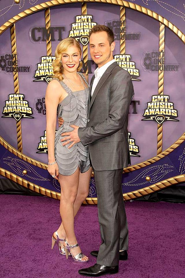 """LeAnn Rimes, with husband Dean Sheremet, looked better than ever in a silver scalloped dress that showed off her gorgeous gams. Stephen Lovekin/<a href=""""http://www.gettyimages.com/"""" target=""""new"""">GettyImages.com</a> - April 14, 2008"""