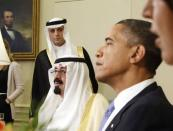 U.S. President Barack Obama (R) meets with Saudi Arabia's King Abdullah bin Abdulaziz in the Oval Office of the White House in Washington in this June 29, 2010 file photo. REUTERS/Larry Downing/Files