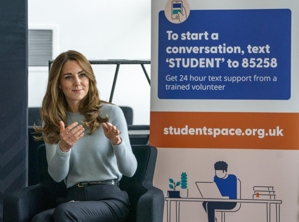 DERBY, ENGLAND - OCTOBER 06: Catherine, Duchess of Cambridge visits students at the University of Derby to hear how the pandemic has impacted university life and what national measures have been put in place to support student mental health on October 6, 2020 in Derby, England. (Photo by Arthur Edwards - WPA Pool/Getty Images)