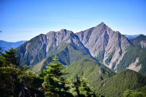 遠眺中央尖山 |View of Central Range Point (攝影師敏敏提供|Courtesy of Min Min)