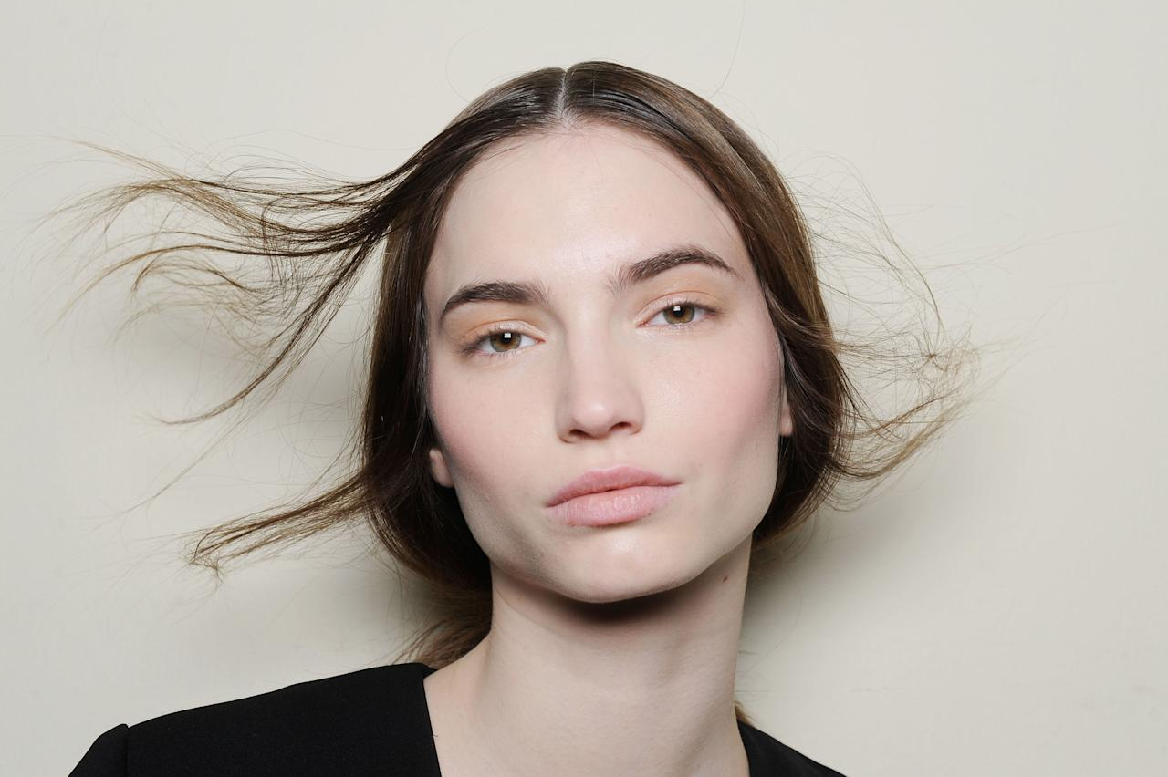 <p>When you're short on time (or patience), a swipe of colorless brow gel makes brows look full and fresh. </p>