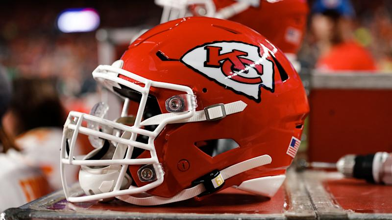 Report: Chiefs p-squad QB joins Cam Newton with positive COVID-19 test