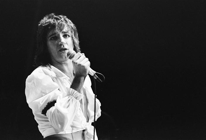 Rod Stewart European Tour 1976, Forest National Arena, aka Vorst Nationaal, Brussels, Belgium, Thursday 11th November 1976, Our picture shows , Rod Stewart performing on stage. (Photo by Sunday People/Mirrorpix/Getty Images)