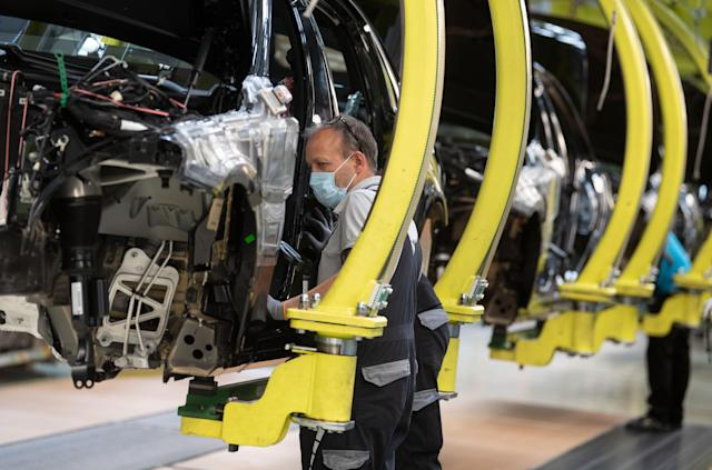 Mercedes S-Class production line at Daimler AG plant in Baden-Wuerttemberg, Sindelfingen, Germany. (Marijan Murat/Picture alliance via Getty Images)