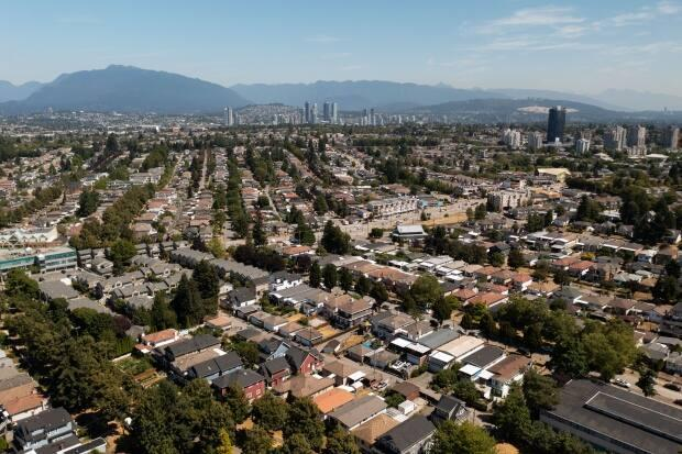 The average selling price for a single family home in Greater Vancouver has gone from $1.58 million when the Liberals took office in 2015 to $1.98 million in August 2021.  (Gian-Paolo Mendoza/CBC - image credit)