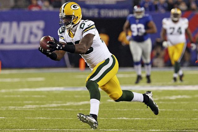 Green Bay Packers wide receiver James Jones catches a pass during the first half of an NFL football game against the New York Giants, Sunday, Nov. 17, 2013, in East Rutherford, N.J. (AP Photo/Peter Morgan)