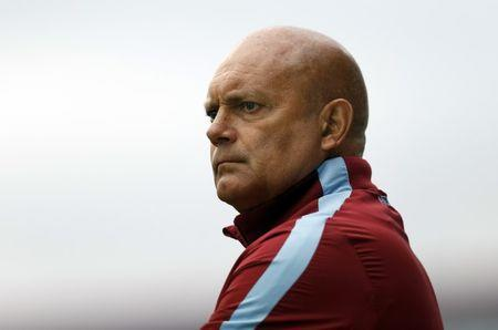 Football - Swindon Town v Aston Villa - Pre Season Friendly - The County Ground - 21/7/15 Aston Villa coach Ray Wilkins before the match Mandatory Credit: Action Images / Andrew Boyers Livepic