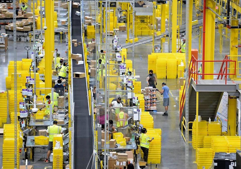 Amazon, CLT4 West Charlotte fulfillment center shown, is hiring seasonal and non-seasonal positions in Charlotte with incentives.