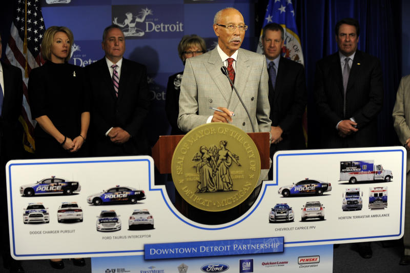 Donors give $8M for Detroit EMS units, police cars