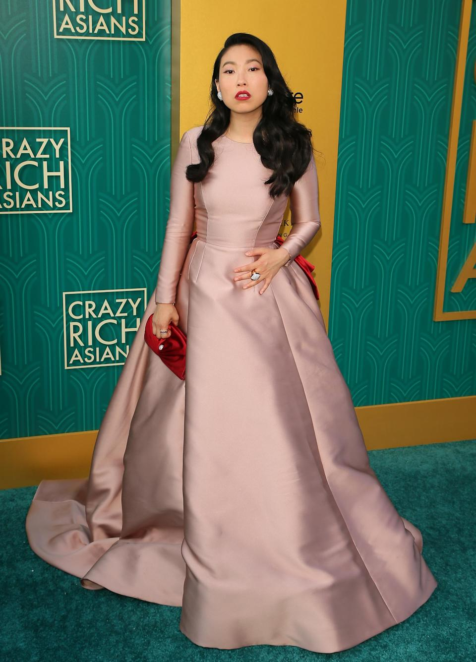 <p>The 'Ocean's 8' donned a billowing gown by Reem Acra for the premiere of her new film. <em>[Photo: Getty]</em> </p>