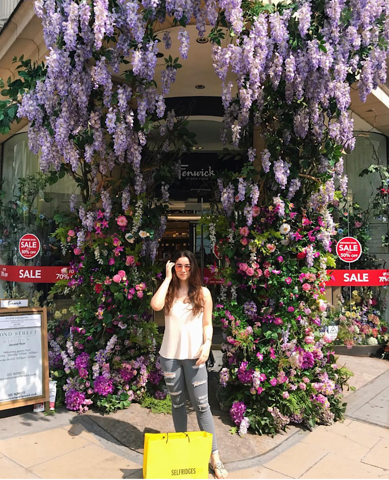 <p>This 20 year old is not very different from us, when it comes to clicking a perfect picture for the Gram. A good background, framed with blooming pinks and purples, is any girls dream come true. Sara organically blended in with the nature's bounty surrounding her, and still managed to be the center of everyone's attraction. </p>