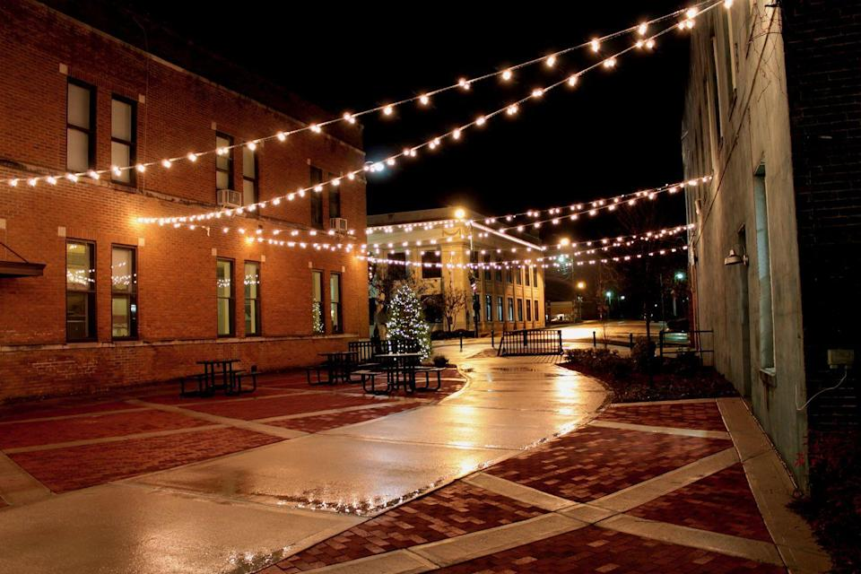 """<p>Though the downtown has the kind of old buildings that give plenty of character, it's the area near New Albany that makes this town even more special. There's the recently-completed <a href=""""http://www.visitnewalbany.com/?gclid=CK7B9_mkidQCFZyCswodaEcLXA"""" rel=""""nofollow noopener"""" target=""""_blank"""" data-ylk=""""slk:Rails to Trails"""" class=""""link rapid-noclick-resp"""">Rails to Trails</a> conversion cycling trail, which runs 44 miles in length. Prefer to walk? The New Albany Arboretum """"Park Along the River"""" weaves your way through and over the Tallahatchie river. </p><p><a href=""""https://flic.kr/p/tatfDz"""" rel=""""nofollow noopener"""" target=""""_blank"""" data-ylk=""""slk:Flickr photo by Matthew Nichols"""" class=""""link rapid-noclick-resp""""><em>Flickr photo by Matthew Nichols</em></a> </p>"""