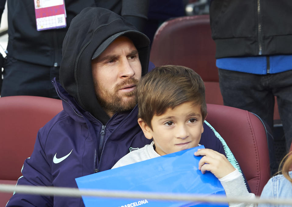 Lionel Messi watched El Clasico from the sidelines due to injury. (Getty)