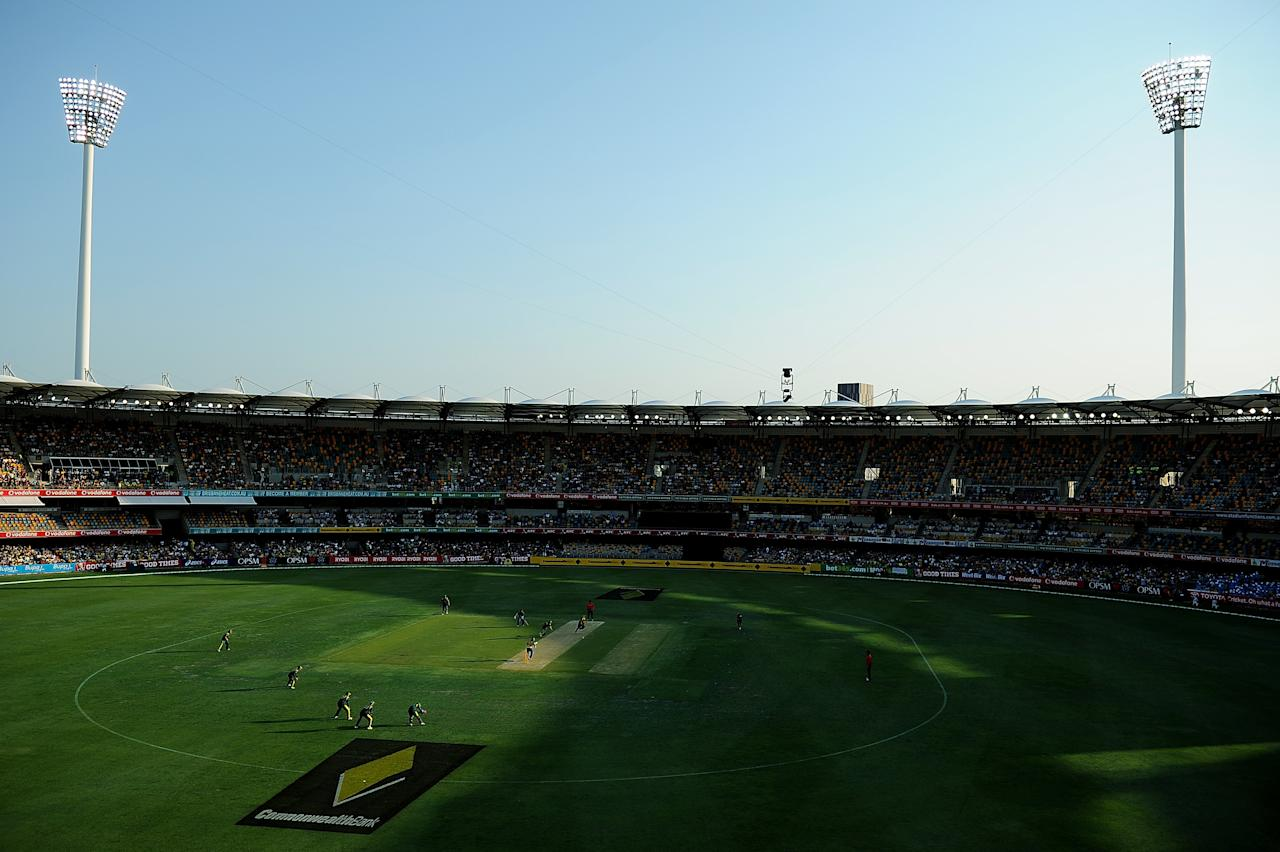 BRISBANE, AUSTRALIA - JANUARY 18:  A general view of play during game three of the Commonwealth Bank one day international series between Australia and Sri Lanka at The Gabba on January 18, 2013 in Brisbane, Australia.  (Photo by Matt Roberts/Getty Images)