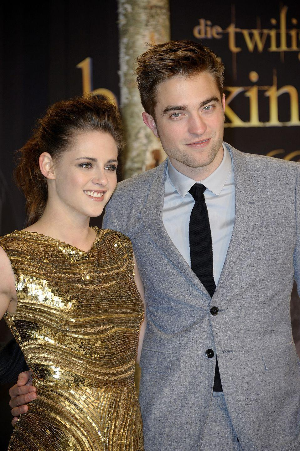 "<p>The on-screen, off-screen couple started dating in 2009 while filming the <em>Twilight </em>movies. After several years of dating and a short-break up in 2012, they broke up for good <a href=""http://www.huffingtonpost.com/entry/kristen-stewart-robert-pattinson-breakup-painful_us_55f814a0e4b0c2077efbf6de"" rel=""nofollow noopener"" target=""_blank"" data-ylk=""slk:in 2013"" class=""link rapid-noclick-resp"">in 2013</a>, just before having to do <a href=""http://www.mirror.co.uk/3am/celebrity-news/robert-pattinson-kristen-stewart-timeline-2085359"" rel=""nofollow noopener"" target=""_blank"" data-ylk=""slk:press appearances"" class=""link rapid-noclick-resp"">press appearances</a> together leading up the premiere of the last <em>Twilight</em> installment, <em>Breaking Dawn Part 2.</em></p>"