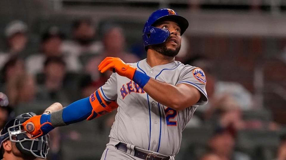 Dominic Smith watching home run against Braves in Atlanta July 2021