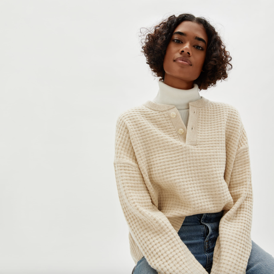 Everlane's The Belgian-Waffle Henley in ReCashmere in Canvas (Photo via Everlane)