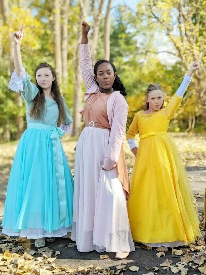 """<p>If you have two sisters, look no further than the Schuyler sisters for Halloween costume inspiration. You'll just have to decide who dresses up as Peggy! </p><p><strong>Get the tutorial at </strong><strong><a href=""""https://www.allthingswithpurpose.com/diy-hamilton-costumes-king-george-and-the-schuyler-sisters/"""" rel=""""nofollow noopener"""" target=""""_blank"""" data-ylk=""""slk:All Things With Purpose"""" class=""""link rapid-noclick-resp"""">All Things With Purpose</a></strong><strong>.</strong></p><p><a class=""""link rapid-noclick-resp"""" href=""""https://www.amazon.com/Colonial-Princess-Hamilton-Elizabeth-Victorian/dp/B08FMRNTTV/ref=sr_1_1?dchild=1&keywords=schuyler+sisters+kids+costume&qid=1628015036&sr=8-1&linkCode=ogi&tag=syn-yahoo-20&ascsubtag=%5Bartid%7C10050.g.21530121%5Bsrc%7Cyahoo-us"""" rel=""""nofollow noopener"""" target=""""_blank"""" data-ylk=""""slk:SHOP COLONIAL DRESS COSTUME"""">SHOP COLONIAL DRESS COSTUME</a></p>"""