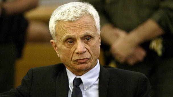 PHOTO: Robert Blake reacts after hearing he was acquited on all counts in his murder trial for the death of his wife Bonny Lee Bakley in Los Angeles, March 16, 2005. (WireImage/Getty Images, FILE)