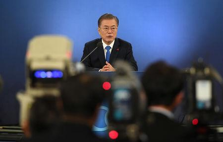 South Korean President Moon Jae-in holds his New Year press conference at the presidential Blue House in Seoul on January 10, 2019. Jung Yeon-je/Pool via REUTERS
