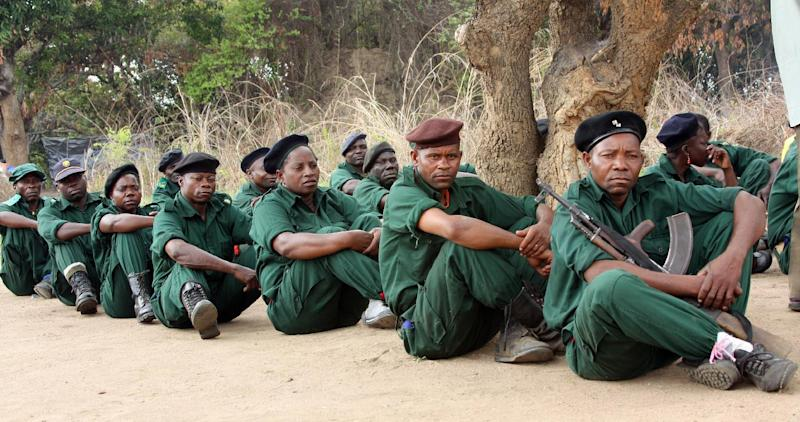 Fighters of former Mozambican rebel movement Renamo receive military training on November 8, 2012 in Gorongosa's mountains, Mozambique
