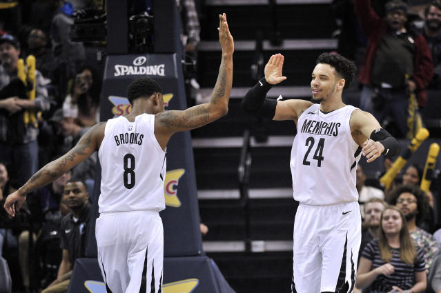 """They might have the same last name, but <a class=""""link rapid-noclick-resp"""" href=""""/nba/players/5858/"""" data-ylk=""""slk:Dillon Brooks"""">Dillon Brooks</a> and <a class=""""link rapid-noclick-resp"""" href=""""/nba/players/4907/"""" data-ylk=""""slk:MarShon Brooks"""">MarShon Brooks</a> are two very different players. The NBA learned that on Friday. (AP Photo)"""
