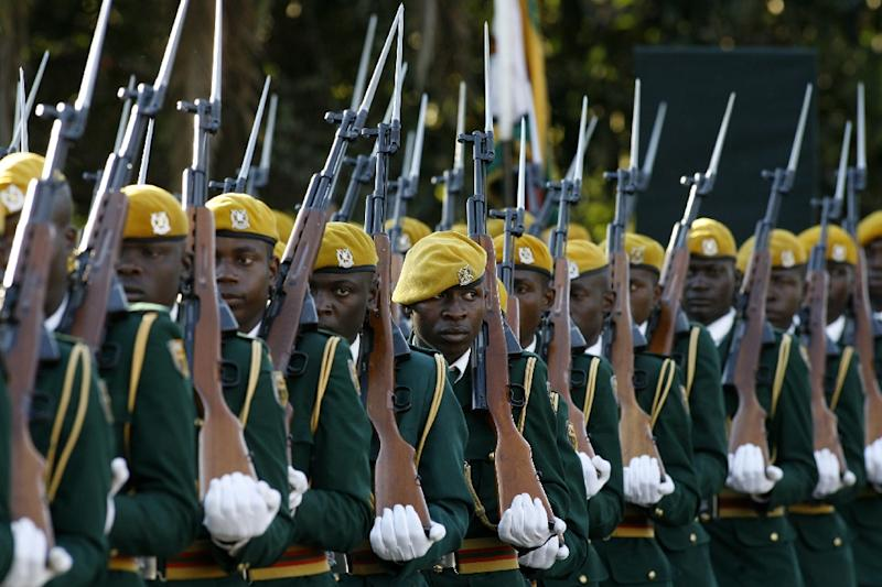 The Zimbabwean government delayed paying soldiers for a second successive month as the treasury struggles with a severe cash shortage