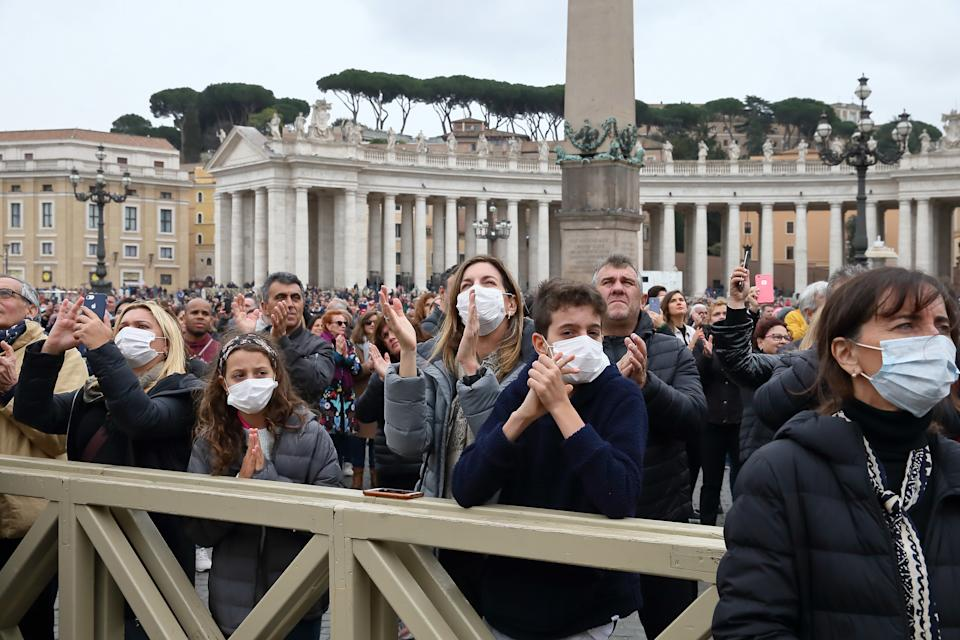 Pilgrims arrive in St. Peter's Square for the Angelus prayer with masks to protect themselves from the coronasvirus. Vatican City (Italy), March 1st, 2020 (Photo by Grzegorz Galazka/Mondadori Portfolio/Sipa USA)