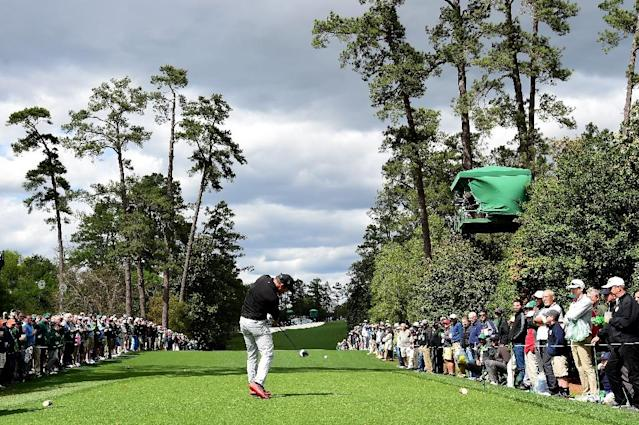 Paul Casey of England plays his shot from the 18th tee during the first round of the 2017 Masters Tournament at Augusta National Golf Club on April 6, 2017 in Augusta, Georgia (AFP Photo/Harry How)