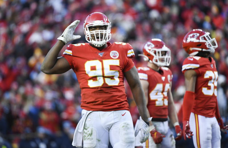 Los Chiefs y Jones siguen en negociaciones