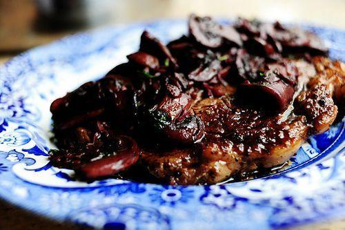"""<p>Rich, wine-flavored mushrooms get spooned over a tender steak in this fabulous recipe. If you cook up the sauce for too long (Ree's guilty of doing exactly that!), just splash in little bit more wine and let it continue to simmer.</p><p><strong><a href=""""https://www.thepioneerwoman.com/food-cooking/recipes/a8914/steak-with-burgundy-mushroom-sauce/"""" rel=""""nofollow noopener"""" target=""""_blank"""" data-ylk=""""slk:Get the recipe"""" class=""""link rapid-noclick-resp"""">Get the recipe</a>.</strong></p><p><a class=""""link rapid-noclick-resp"""" href=""""https://go.redirectingat.com?id=74968X1596630&url=https%3A%2F%2Fwww.walmart.com%2Fbrowse%2Fhome%2Fthe-pioneer-woman-cookware%2F4044_623679_6182459_9190581&sref=https%3A%2F%2Fwww.thepioneerwoman.com%2Ffood-cooking%2Fmeals-menus%2Fg35191871%2Fsteak-dinner-recipes%2F"""" rel=""""nofollow noopener"""" target=""""_blank"""" data-ylk=""""slk:SHOP COOKWARE"""">SHOP COOKWARE</a></p>"""