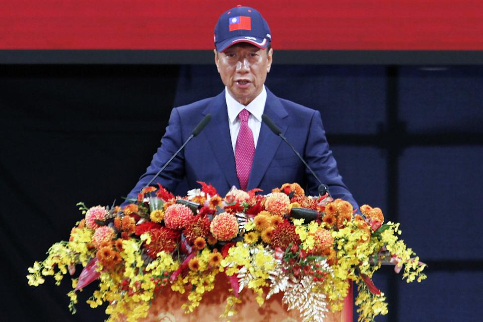 Foxconn CEO Terry Gou addresses company employees during a year-end party ahead of the Lunar New Year of the Pig in Taipei on February 2, 2019. (Photo by HSU Tsun-hsu / AFP)        (Photo credit should read HSU TSUN-HSU/AFP/Getty Images)