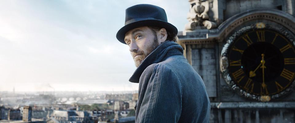 Law as Dumbledore in <em>Fantastic Beasts: The Crimes of Grindelwald</em> (Photo: Warner Bros. Entertainment Inc. /Courtesy Everett Collection)