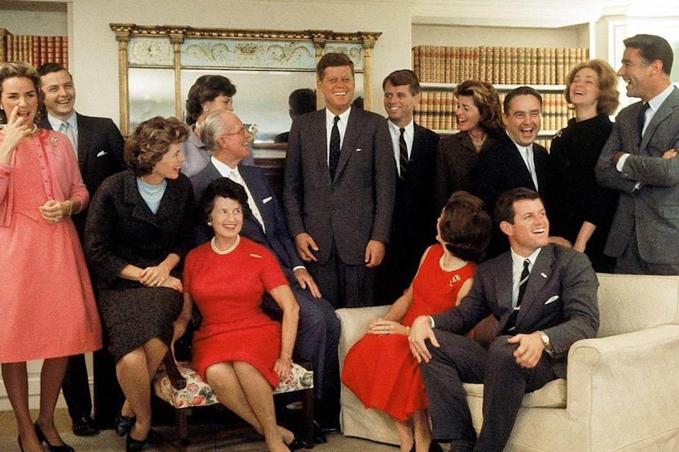 Series. The Kennedys: a fatal Ambition (DirectGo)
