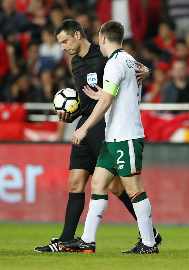 Soccer Football - International Friendly - Turkey vs Republic of Ireland - New Antalya Stadium, Antalya, Turkey - March 23, 2018 Republic of Ireland's Seamus Coleman talks to referee Slavko Vincic at half time REUTERS/Murad Sezer