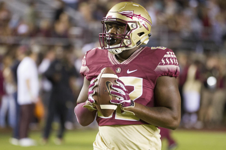TALLAHASSEE, FL - OCTOBER 29: Florida State TE Naseir Upshur (82) warms up during an NCAA football game between the Florida State Seminoles and the Clemson Tigers on October 29, 2016, at Bobby Bowden Field at Doak Campbell Stadium in Tallahassee, FL. (Photo by Logan Stanford/Icon Sportswire via Getty Images)
