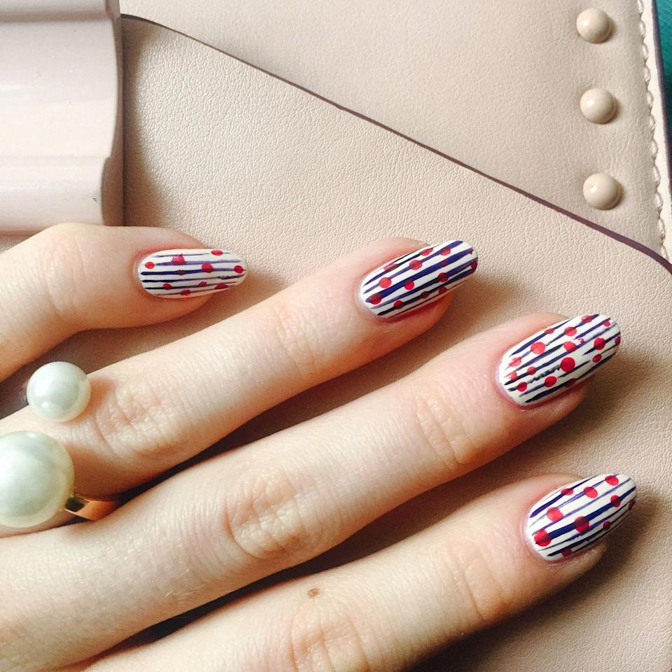 <p>If subtlety is your style and you opt for stripes and abstract dots more than stars, an easy way to show your patriotism is with thin, watercolor-inspired lines in tones inspired by our flag.</p>
