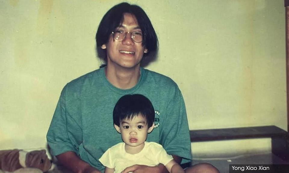 A younger Moan with Yong's child