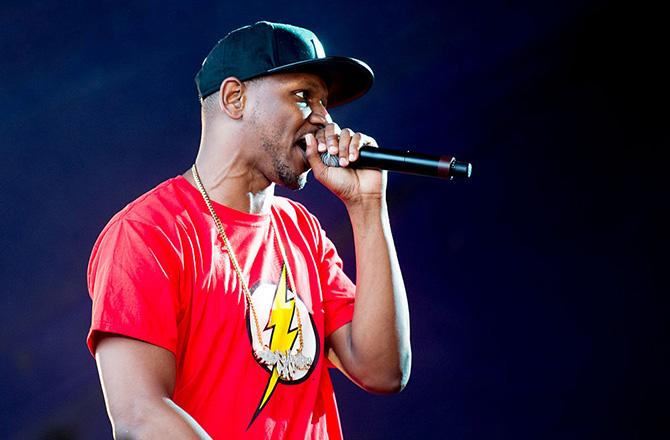"""This London Crowd Completely Lost It When Giggs Performed His """"KMT"""" Verse"""