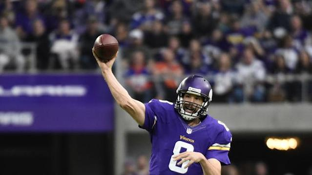 Can Sam Bradford pass his way to another top-five fantasy finish in Week 2? Yahoo Fanalyst Liz Loza analyzes the QB's Week 2 matchup.