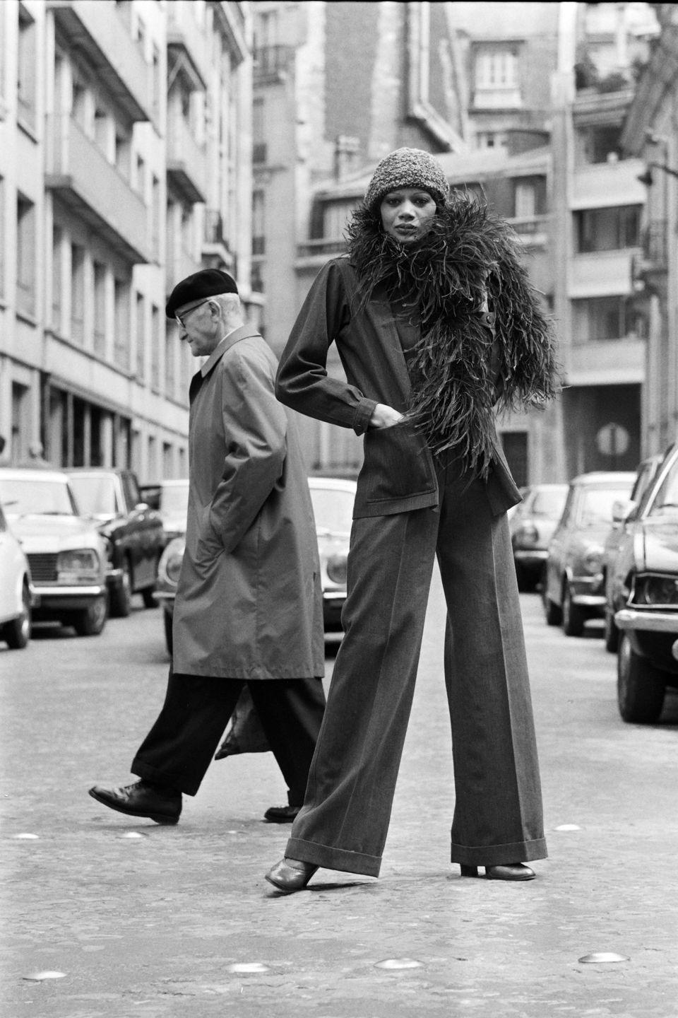 <p>The linen power suit continued to gain traction in Saint Laurent's ready-to-wear collection.</p>
