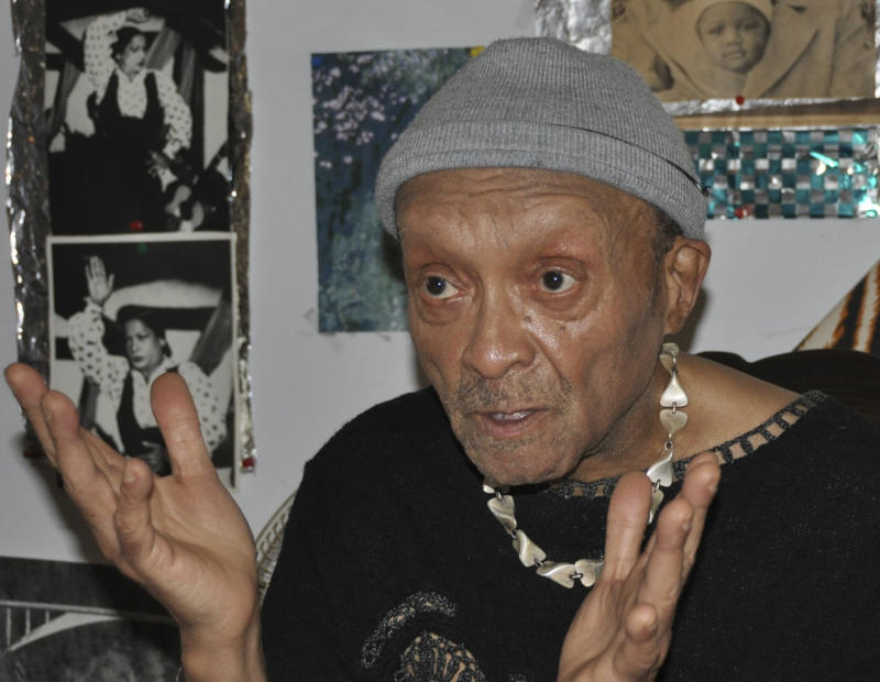 In this undated photo released by the Inamori Foundation, American jazz legend Cecil Taylor speaks at an unknown place. The Inamori Foundation on Friday, June 21, 2013, awarded Taylor, an 84-year-old veteran jazz pianist from New York, this year's Kyoto Prize in the art and philosophy category for opening new possibilities in jazz with his distinctive musical construction and renditions. (AP Photo/The Inamori Foundation)