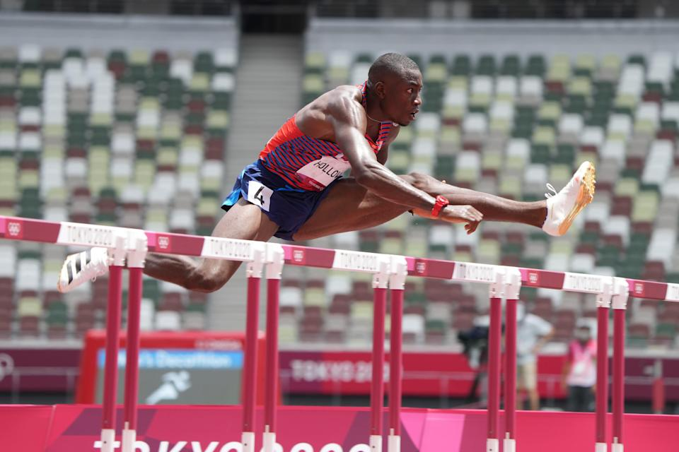 Grant Holloway breezed through his semifinal in the men's 110m hurdles Wednesday at Olympic Stadium
