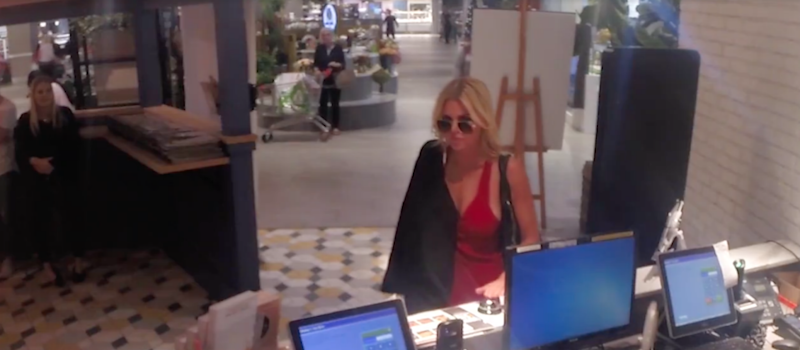 Sophie Monk arrives at the restaurant and asked to ring the front desk bell continuously. Source: KIIS
