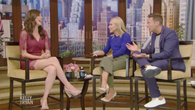Colleen Ballinger explains how she revealed her pregnancy on YouTube on <em>Live With Kelly and Ryan</em>.