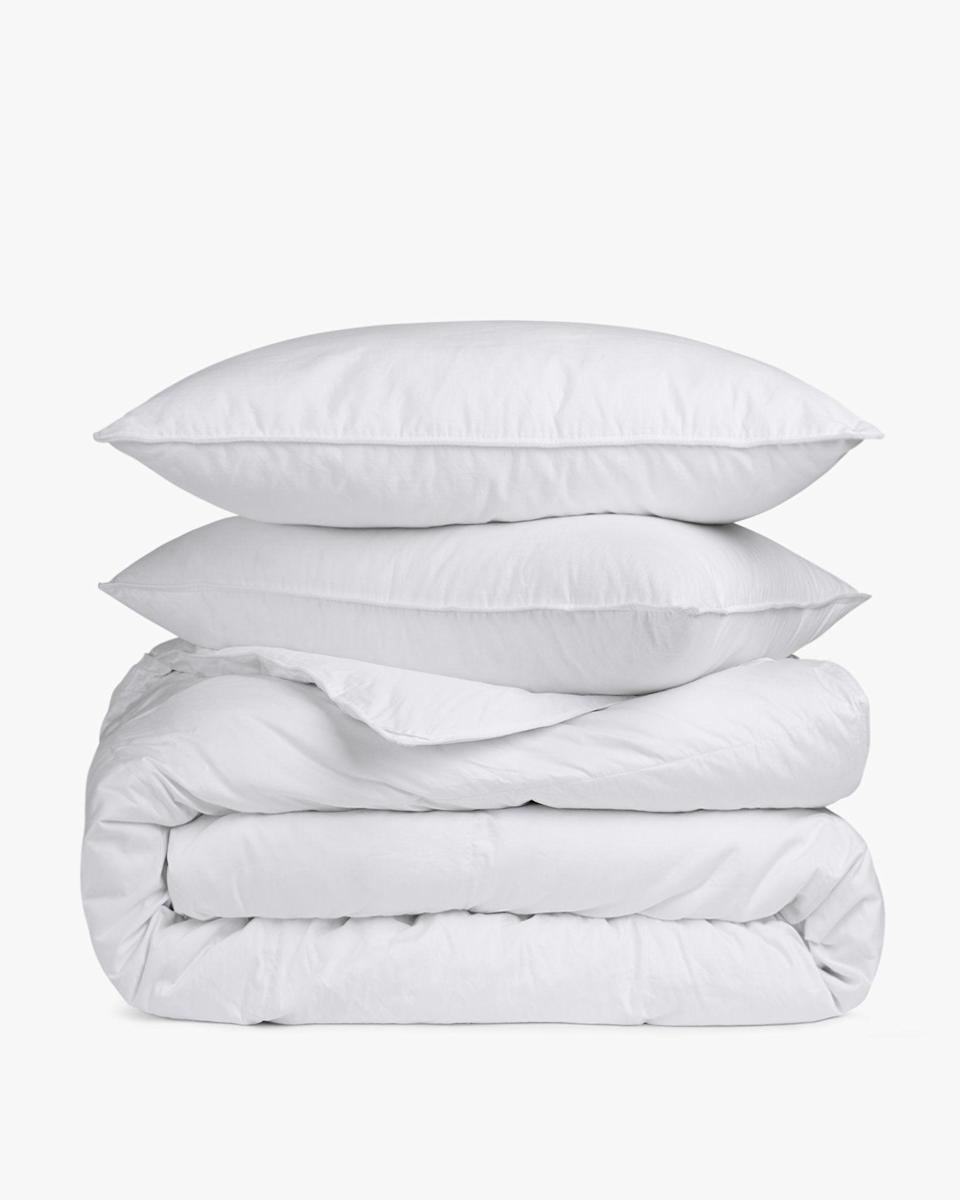 """<p><strong>Parachute Home</strong></p><p>parachutehome.com</p><p><strong>$521.00</strong></p><p><a href=""""https://go.redirectingat.com?id=74968X1596630&url=https%3A%2F%2Fwww.parachutehome.com%2Fproducts%2Fdown-basics-bundle&sref=https%3A%2F%2Fwww.bestproducts.com%2Fhome%2Fg34579398%2Fbest-bedding-bundles%2F"""" rel=""""nofollow noopener"""" target=""""_blank"""" data-ylk=""""slk:Shop Now"""" class=""""link rapid-noclick-resp"""">Shop Now</a></p><p>As the temperatures start to drop and your desire to get out of bed diminishes, you might want to get yourself a <a href=""""https://www.bestproducts.com/home/decor/g139/best-cozy-down-comforters/"""" rel=""""nofollow noopener"""" target=""""_blank"""" data-ylk=""""slk:new down comforter"""" class=""""link rapid-noclick-resp"""">new down comforter</a> and a new set of pillows to enjoy the new season properly. The Parachute bundle comes with a comforter – you can pick between lightweight or all season – and two pillows which are available in soft, medium, and firm. </p>"""