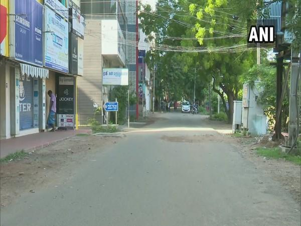 Streets wear a deserted look as Tamil Nadu observes complete lockdown on Sunday. (Photo/ANI)