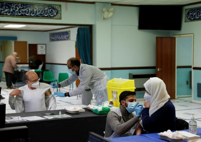 Imams in Britain are helping in a drive to counter disinformation about Covid-19 vaccines