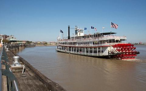 steam boat natchez - Credit: Universal Images Group
